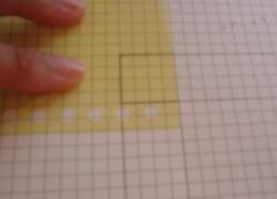 方眼紙の上に型紙